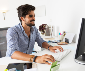 A male virtual assistant for bloggers formatting a blog